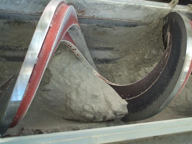 Sand and slag conveyors