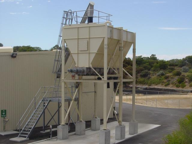 Live Bottom sludge silo outloadin-