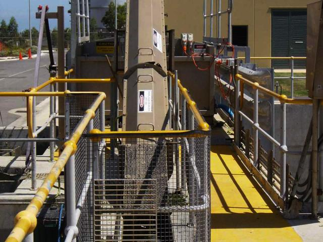 Power plant cooling water intake